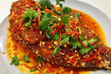 ปลาสามรส|プラーサムロット|魚の甘酢ソースかけ|Deep Fried Fish with Sweet vinegar sauce