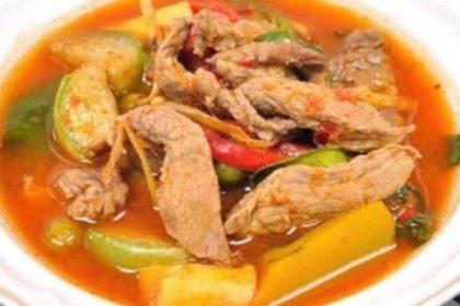 แกงป่าเนื้อ|ゲーンパーヌア|牛肉と野菜たっぷりコゴナッツミルクなしタイカレー|Hot&Spicy curry with Beef