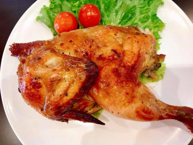 ไก่อบวันดีครึ่งตัว ガイオップ・クルントア 半分ローストチキン Roast Chicken(half)