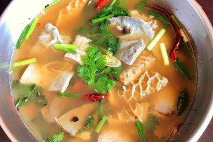 ต้มแซ่บเนื้อ トムセープヌア 牛肉のモツ旨辛スープ Thai spicy soup with Beef and entrails