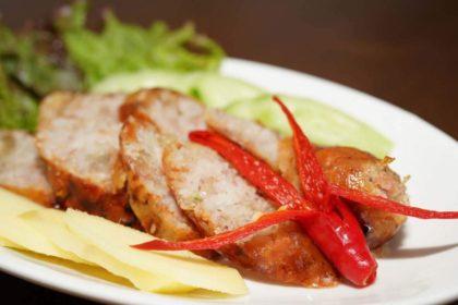 ไส้กรอกอีสาน|イサーンソーセージ|群肉、もち米などを詰めたイサーン風ソーセージ|Thai Nartheastern Pork and Rice Seusage