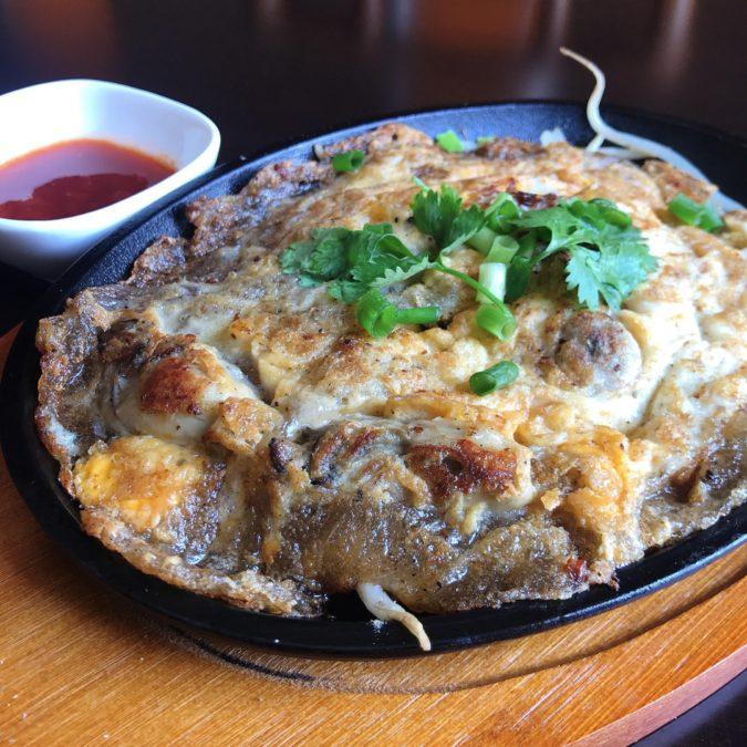 ออส่วน|オースワン|社類のタイ風お好み焼き|Crispy Oyster Omelette