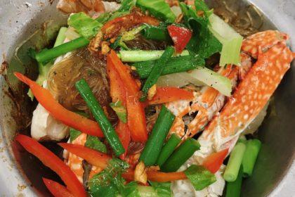 ปูอบวุ้นเส้น プーオップウンセン ウタリガニと春雨の蒸し物 Crab steamed with vermicelli