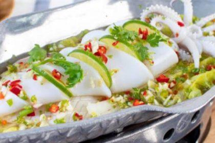 หมึกนึ่งมะนาว|ムックヌンマナオ|イカのライム蒸し|Steamed Squid with spicy lemon sauce