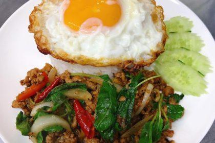 กระเพราไข่ดาว|ガバオライス+カイダオ|バジル妙めご飯フライドエッグ添え|Rice topped with stir-fried holy basil (Fried egg)